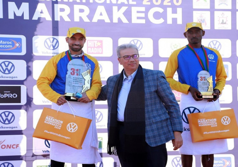 L'athlète marocain Hicham Laqouahi bat un record au marathon de Marrakech